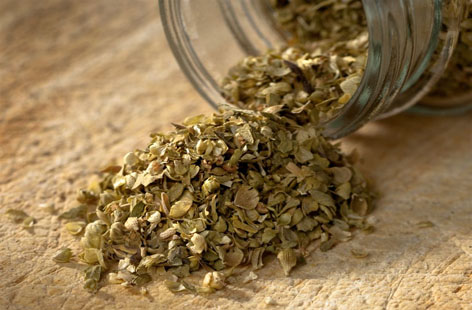 Oregano and almond oil for your bath
