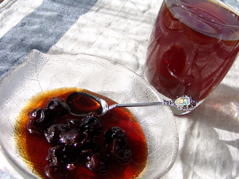 Sour Cherries in syrup (sweet of the spoon)