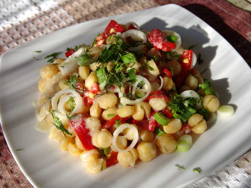Chickpea salad with tahini sauce