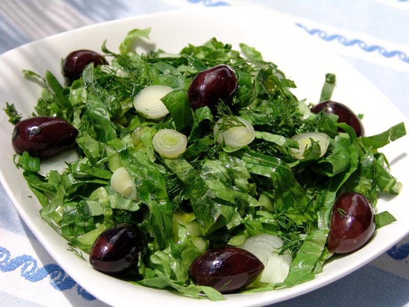 Traditional lettuce salad